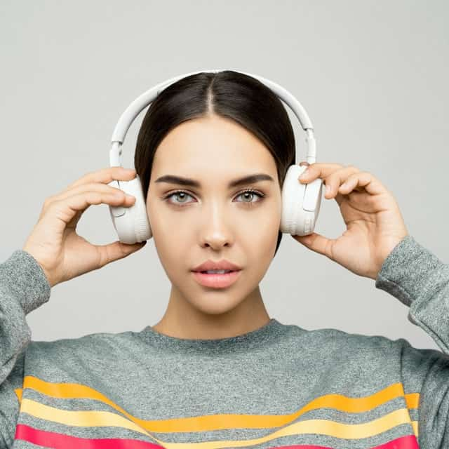 Best Noise Cancelling Headphones in India by Geeky Gadgets