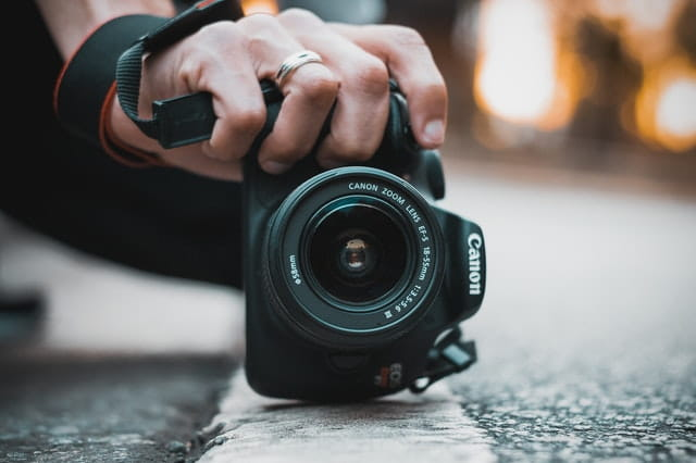 DSLR vs Point and Shoot Camera - What is the best choice for YOU? 2