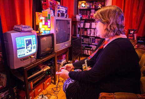 Linnea playing Tetris BPS on Famicom