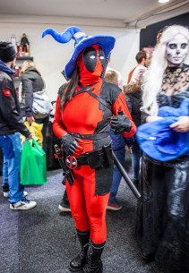 Deadpool with hat - Sci-Fi World