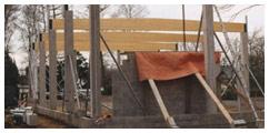De bouw van onze zaal - Wankele muur - 't Geels Volkstoneel