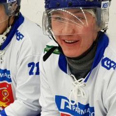 Suomen miesten jääpallomaajoukkue onnistui peittoamaan Ruotsin vierasjäällä
