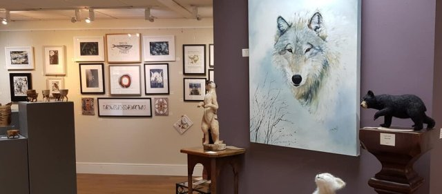 L-R: Wolf - Olive Wassall. oil, Needlefelted animals by Lynda Davies. Image credit: Hodgson Loom Gallery