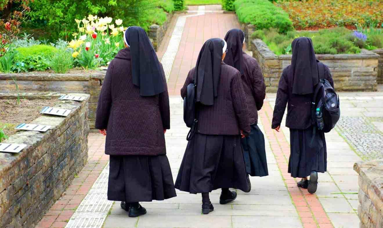 Ab ins Kloster: Strengste Nonnen der Welt?