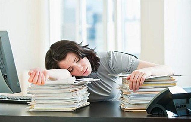 schlaefrigkeit-müdigkeit-kopfschmerzen