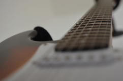 Electric Guitar Cultures – Die E-Gitarre als popkulturelles Phänomen und spielbares Interface