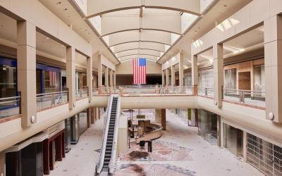 Contents of Empty Malls Being Auctioned Off