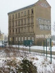 Rolf-Axen-Straße kurz vor den Gleisen, Februar 2013