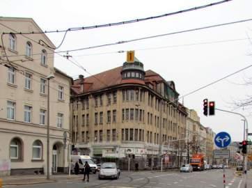 Ehemalige Sparkasse und Karstadt Lindenau