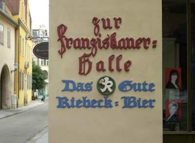 Alte Riebeck-Werbung in Halle