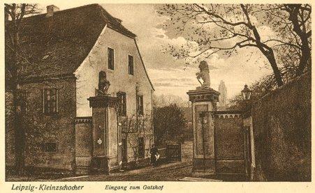 Historische Postkarte: Eingang zum Gutshof