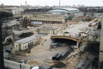 Stadionvorplatz, Schwimmstadion und Arena 2003