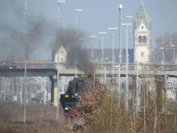 Dampf vor der Liebfrauenkirche