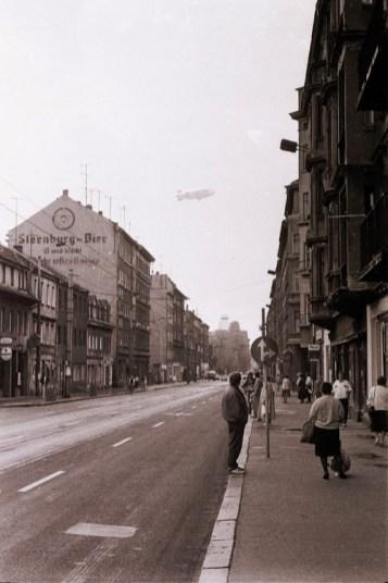 Ernst-Thälmann-Straße 1990 (Foto: Harald Stein, Wortblende)