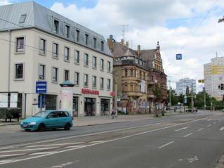 Links neben der Post stand das Mockauer Rathaus