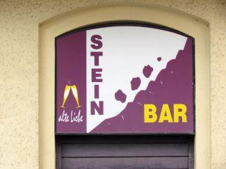 Stein-Bar in der Cichoriusstraße