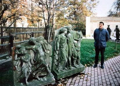 1992: Beim Bildhauer Markus Gläser (Foto: Norbert Lotz)