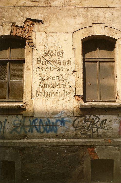 Voigt & Hofmann, Schrebergässchen, 1990er Jahre