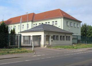 Pförtnerhäuschen der Polizei in der Hans-Driesch-Straße