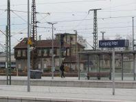 Sächs. Kraftstellerei I (Stellwerk; links) und Heizwerk der Sächs. Staatseisenbahnverwaltung (mit Turm, dahinter)