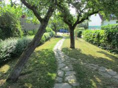 Im Obstgarten