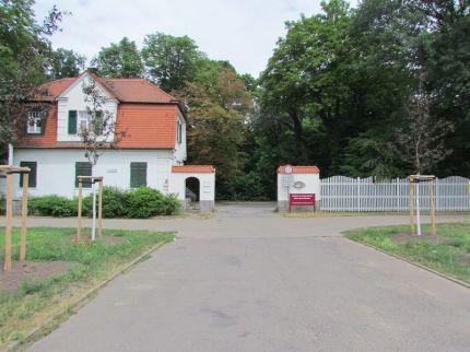 Eingang Schönauer Straße