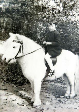 Silke mit Pony im Leipziger Zoo