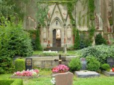 Kirchenruine Wachau im Juli 2012