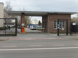 Pförtnerhäuschen der Polizei in der Permoserstraße