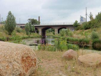 Blick vom Hafen zur Luisenbrücke