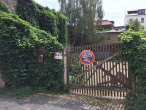 Grüne Einfahrt im Waldstraßenviertel