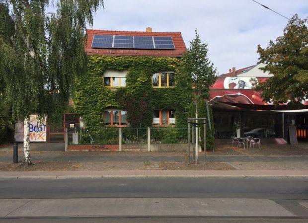 Grüne Wand in Mockau (Volbedingstraße)