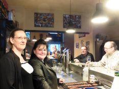Janet und Melli (v.li.) in der Strietzer Pinte