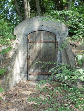 Bunker oder Weinkeller?