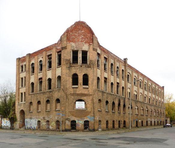 Luxusmöbelfabrik in der Bitterfelder Straße