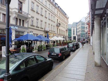 Die Schulstraße 8 ...