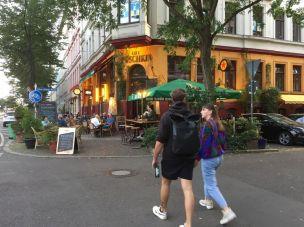 Straße voller Gastronomie: Karl-Liebknecht-Straße