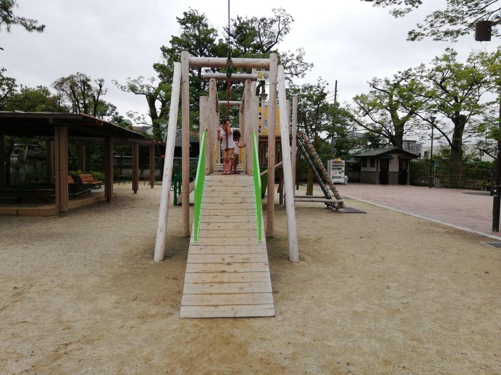 古川親水公園のターザンロープ