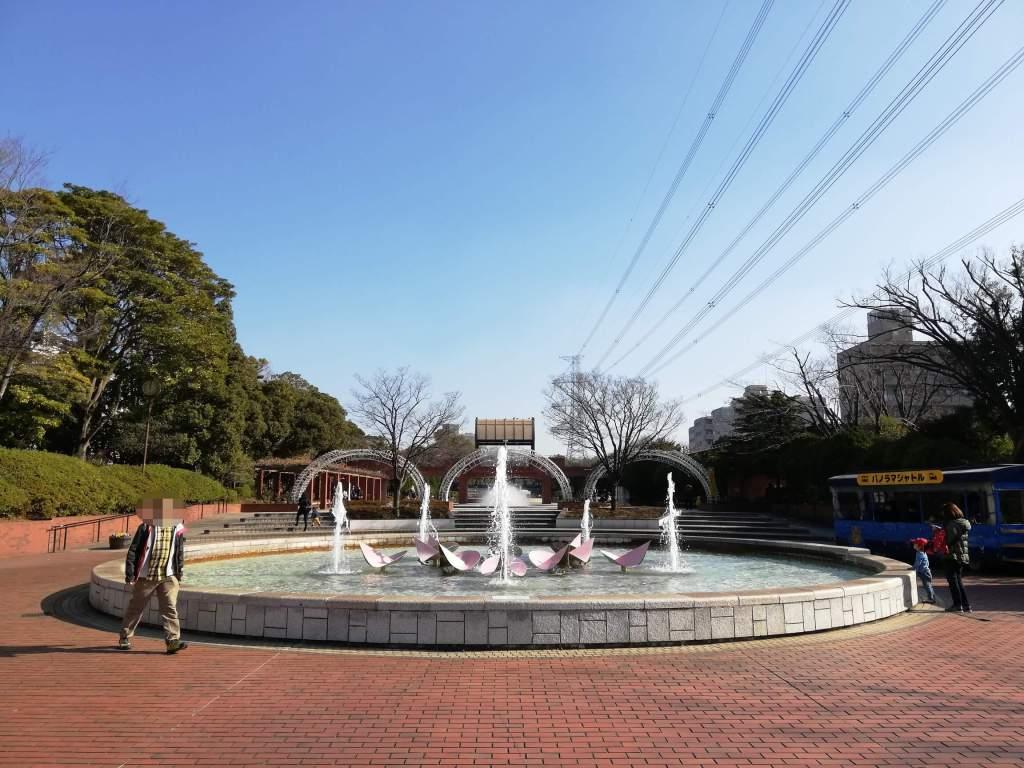 江戸川区南葛西のフラワーガーデンの噴水