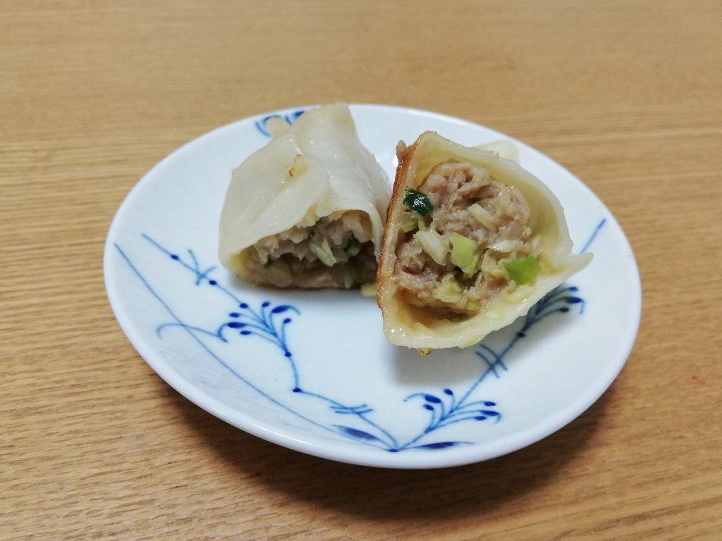 飯塚精肉店の餃子の断面