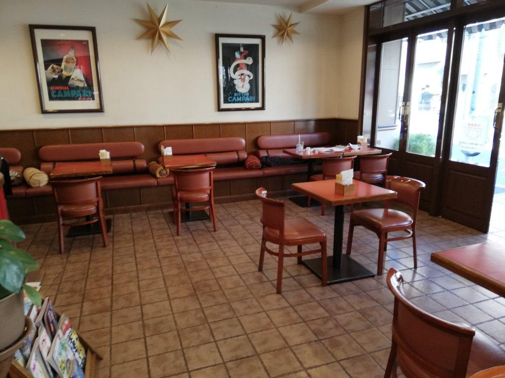 パティスリーパスカル本店のカフェスペース