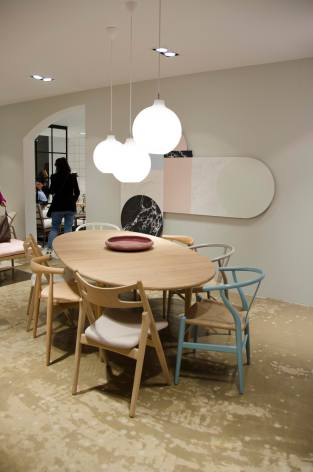 gelatinadesign-salonedelmobile1 interno tavolo