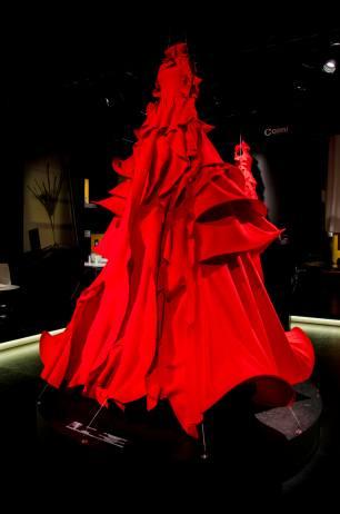 gelatinadesign - salonedelmobile11 - vestito rosso