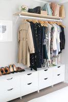 Mein Schlafzimmer und offener Kleiderschrank   Aus Kratzer ...