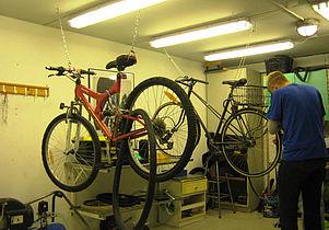 Frivillige efterlyses til cykelværkstedet