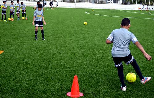 Solskin og fodboldskole