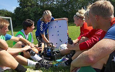 Bliv fodboldtræner i Viby Syd