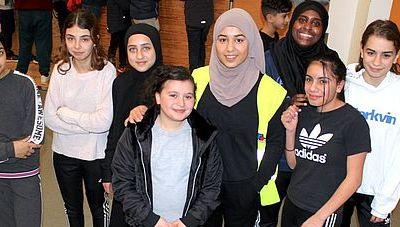 Frivillige unge strømmer til Gellerup Cup