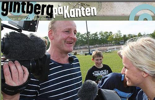 Jan Gintberg leder efter en bil i Gellerup