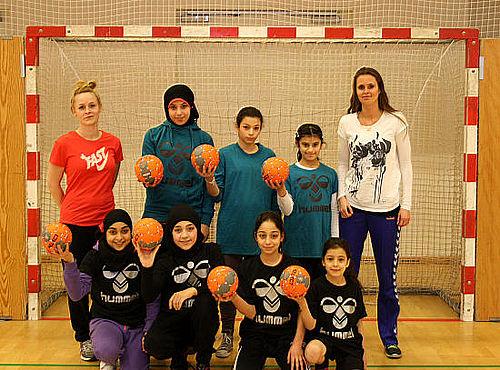 Pigehåndbold i Globus1